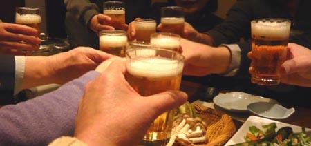 01 ビールで乾杯.jpg