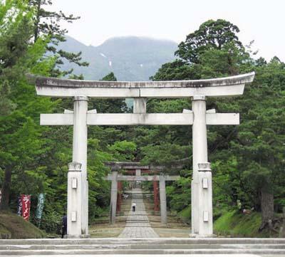 004 岩木山神社門.jpg