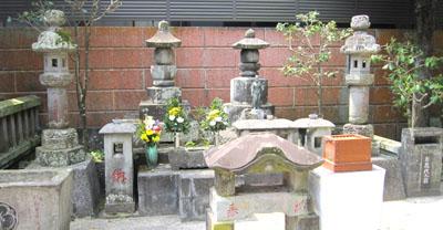 44お吉の墓.jpg