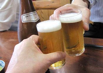 51ビールで乾杯.jpg