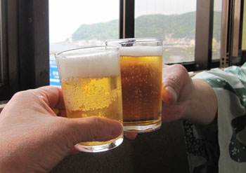 58ビールで乾杯.jpg