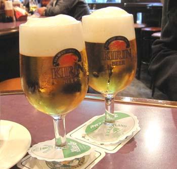 02ビールで乾杯.jpg