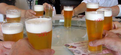 03 ビール 乾杯.jpg