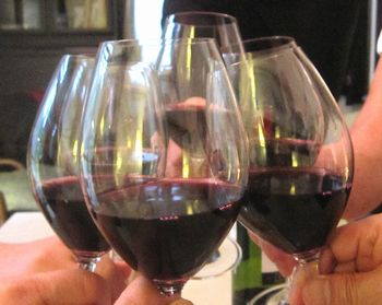 19 ワインでかんぱい.jpg